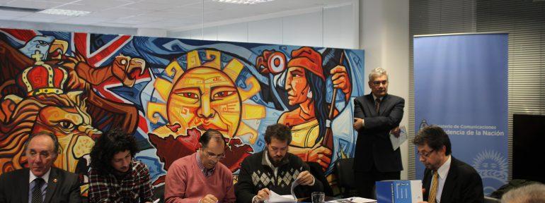 """REDCOM y FADECCOS se reunieron con la comisión redactora de la """"ley de comunicaciones convergentes"""""""